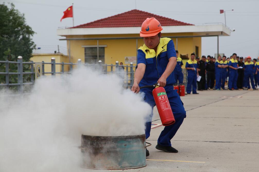 高压管网公司举办第六届消防技能比武活动